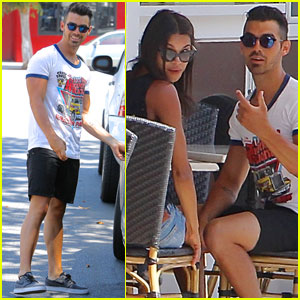 Joe Jonas Grabs Lunch With Model Pal Juliana Herz