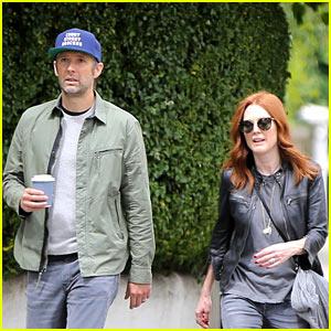 Julianne Moore & Husband Bart Freundlich Stroll Around London