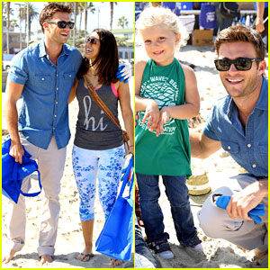 Scott Eastwood Helps Clean Ocean Beach Pier with Davidoff Cool Water