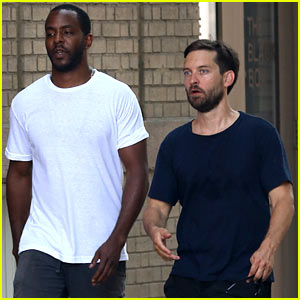 Tobey Maguire Power Walks His Way Around NYC