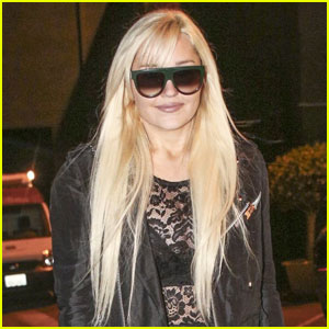 Amanda Bynes Tweets Update on Her Life for Fans