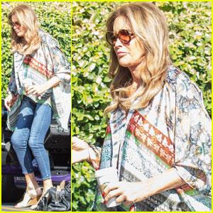 Caitlyn Jenner Runs Some Errands in Her Purple Porsche