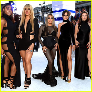 Fifth Harmony Win Song of The Summer at the 2016 VMAs!