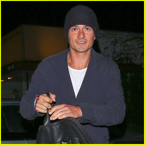 Orlando Bloom Leaves Hair Salon With Beanie on His Head