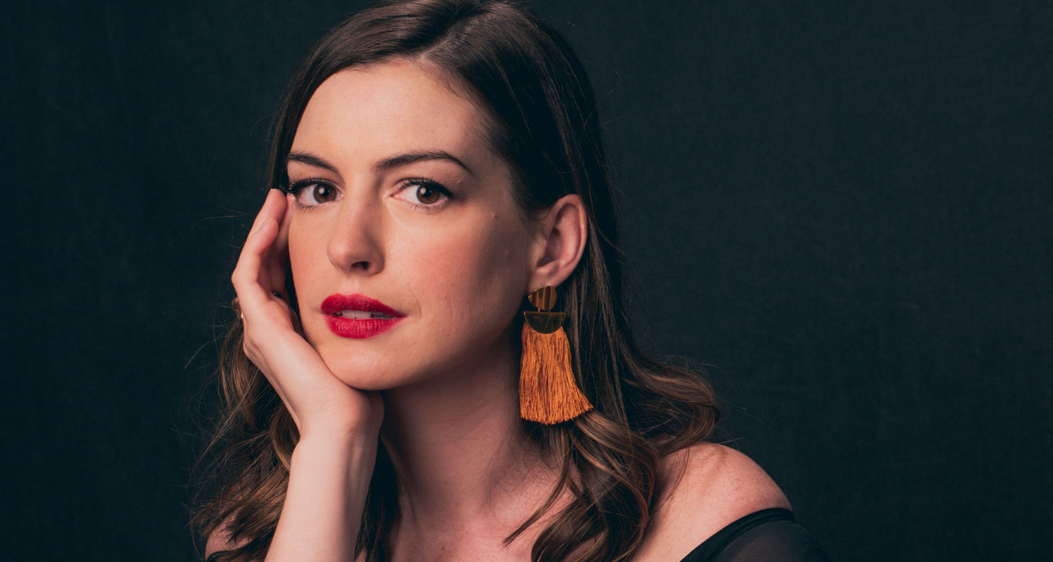 Anne Hathaway Would Like to Play Catwoman Again | Anne Hathaway, Jason ... Anne Hathaway