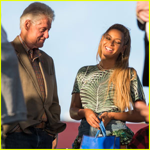 Beyonce Chats Up Bill Clinton at Made in America Festival 2016