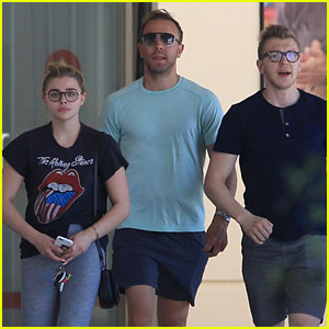Chloe Moretz Gives Her Family Some Love: 'I Couldn't Ask for a More Amazing Family'