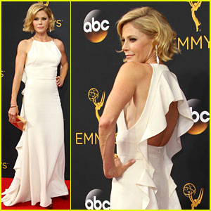 Julie Bowen Supports 'Modern Family' at Emmy Awards 2016!
