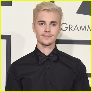 Justin Bieber Reportedly Tells a Group of Fans They 'Suck'