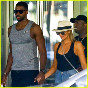 Khloe Kardashian & Tristan Thompson Hold Hands in Miami