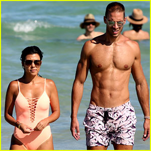 Kourtney Kardashian & Pal Simon Huck Bare Hot Beach Bodies in Miami