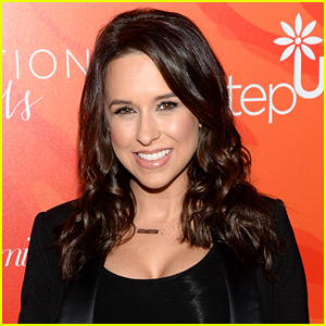 Lacey Chabert Nude