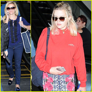 Reese Witherspoon Flies Home with Lookalike Daughter Ava