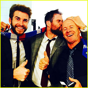 Chris Hemsworth Has 'Best Day Ever' at AFL Grand Final with Dad & Brother Liam!