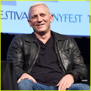 Daniel Craig Gets Caught in the New York City Snow Storm: Photo ...  Daniel Craig
