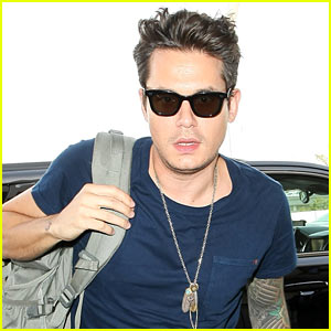John Mayer Isn't Too Confident About His Fall Wardrobe Choices