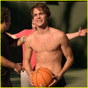 Johnny Simmons Goes Shirtless for 'Late Bloomer' Basketball Scene - Exclusive Clip!