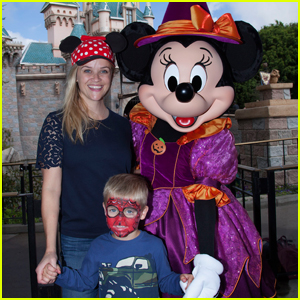 Reese Witherspoon & Son Tennessee Spend the Day at Disneyland!
