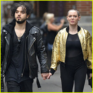 Rose McGowan Holds Hands With a Mystery Man in NYC