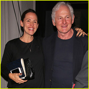 Alias' Jennifer Garner & Victor Garber Reunite for Dinner!