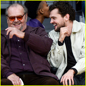 Jack Nicholson & His Son Ray Share a Laugh at Lakers Game