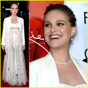 Pregnant Natalie Portman Dazzles in Dior at 'Jackie' Premiere