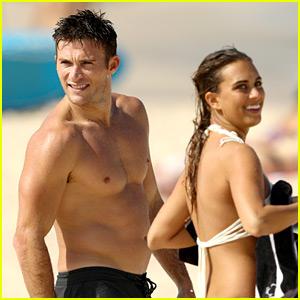 Scott Eastwood Puts His Hot Body on Display in Australia!