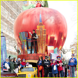 Macy's Thanksgiving Day Parade 2016 - Full Performers Lineup!