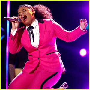 VIDEO: The Voice's Wé McDonald Slays with Rihanna's 'Love On the Brain'