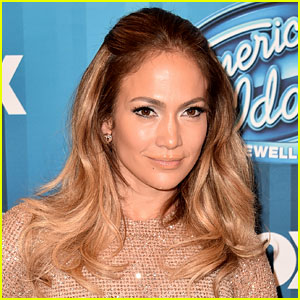 Jennifer Lopez Reflects on Her Year of Ups & Downs