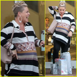 Pink Shows Off Her Major Baby Bump While Christmas Shopping