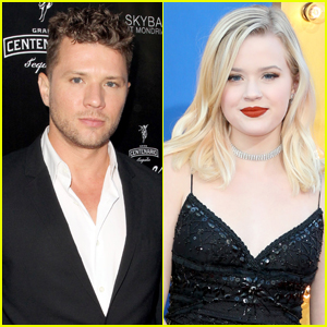 Ryan Phillippe Dishes on Daughter Ava's Social Media Stardom