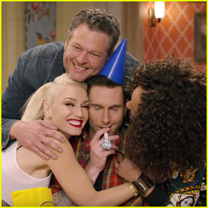 VIDEO: Gwen Stefani, Blake Shelton, & 'Voice' Coaches Are a 'Big Happy Family'