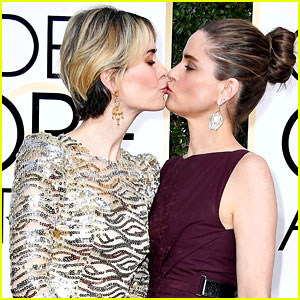 Amanda Peet Describes 'Intense' Friendship with 'Wife' Sarah Paulson After Their Kiss