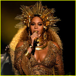 Beyonce Grammys 2017: Celebs & Fans React to Performance!