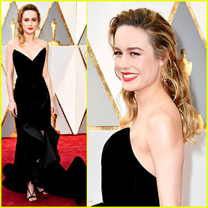 Brie Larson is a Black Velvet Beauty on the Oscars 2017 Red Carpet