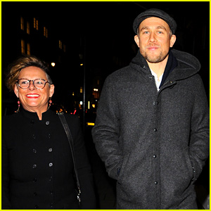 Charlie Hunnam Hangs Out with His Mom in London!