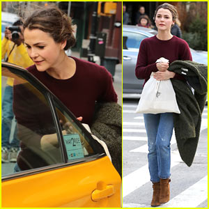 Keri Russell Spends The Day Running Errands Around NYC