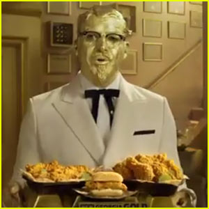 KFC Super Bowl Commercial 2017: Billy Zane & Rob Riggle Promote The New 'It's Finger-Licking Gold' Sauce