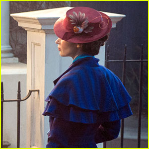 Emily Blunt In Costume as Mary Poppins - First Look Photo!