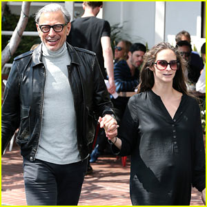 Jeff Goldblum Steps Out with Pregnant Wife Emilie Livingston