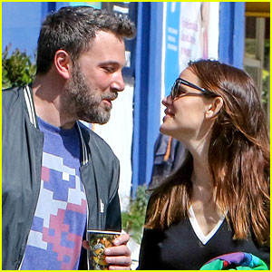 Ben Affleck & Jennifer Garner Enjoy Time Together with Their Kids (New Photos)