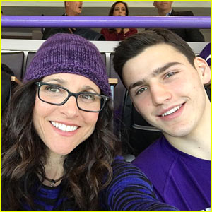 Julia Louis-Dreyfus Cheers on Son Charlie at College Basketball Game!