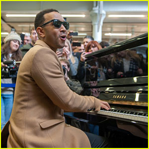 John Legend Surprises Commuters with Free Concert in London Train Station!
