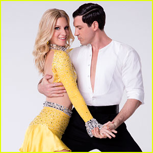 Maksim Chmerkovskiy Injured, Will Sit Out 'DWTS' Week 2