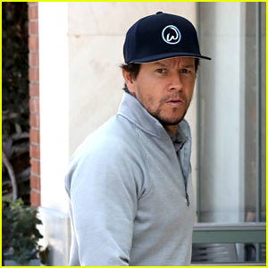 Mark Wahlberg is Working on Sci-Fi Comic 'Alien Bounty Hunter' to Turn Into Movie