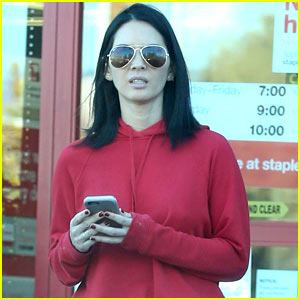 Olivia Munn Shares a Super Cute Pic From Vanity Fair's Oscars Party!