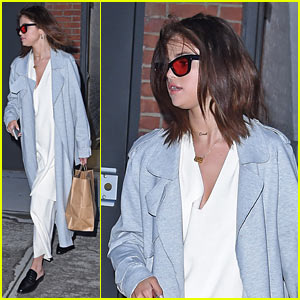 Selena Gomez Arrives Back in the US After Date With The Weeknd