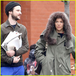 Sienna Miller & Ex Tom Sturridge Enjoy a Rainy Stroll in NYC