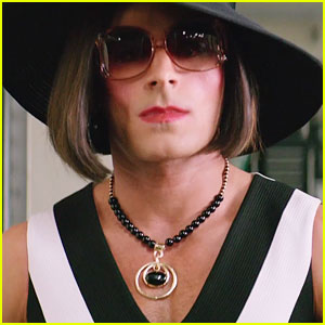Zac Efron Opens Up About Dressing as a Woman for 'Baywatch'